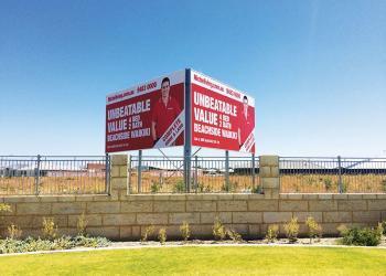 billboard-v-sign-large-format-print-sail-track-banner-discus