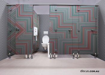 DDS106_Triatuse_Rozen_wall graphic_toilet doors_bathroom interior design